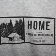 Aufdruck: Home is where the mountains are